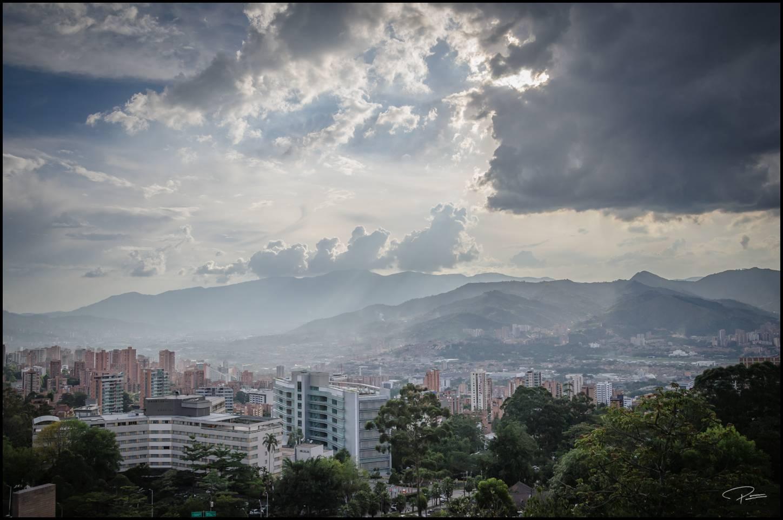 Medellin Buildings 10Oct2013 PG 063